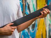 Создана идеальная гитара для путешествий (видео)