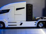 Электрический грузовик Tesla будет беспилотным - Reuters