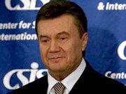 Янукович пешком прошел 1,5-километровый украинский мост в Туркменистане