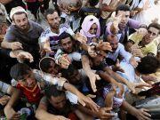 Яценюка просят не размещать сирийских беженцев в Яготине