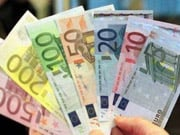 Евро дешевеет к доллару впервые с марта 2015 года