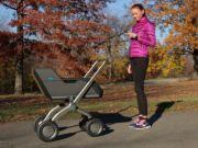 Створена дитяча коляска, яка вміє самостійно пересуватися (відео)