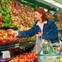 На скільки впали продажі продуктів харчування за рік