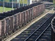 Министр инфраструктуры обещает уволить чиновников, виновных в дефиците грузовых вагонов
