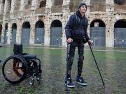 Выпущен экзоскелет, который призван помочь ходить людям с ограниченной подвижностью