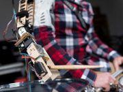 Американские учёные изобрели роботизированную руку для барабанщиков (видео)
