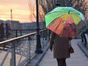 """Создан """"умный"""" зонтик, который заблаговременно предупреждает об изменении погоды (видео)"""
