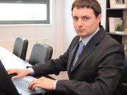 Антон Козюра: чи варто підвищувати зарплати чиновників вищого рангу в Україні?