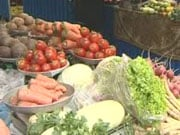 На оптовых рынках Украины подешевели овощи и фрукты (инфографика)
