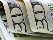 HSBC: Доллар США в 2016 году будет снижаться в парах с евро и иеной