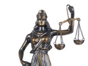 Суд про відновлення Коломойського власником ПриватБанку перенесли