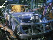 Объем производства автомобилей в России в 2009 г. упал почти на 60%