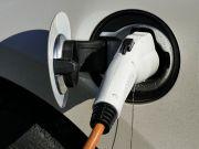 Продажі китайських електромобілів впали вперше за два роки