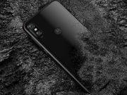 Motorola выпустила дешевую копию iPhone X (фото)