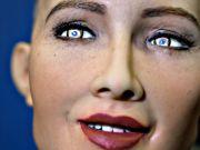 З'ясувалося, чому робот Софія не відповіла на запитання про корупцію в Україні