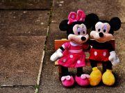 Walt Disney сократила чистую прибыль на 50%