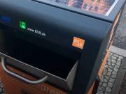 """В Берлине """"умные"""" урны запитываются солнечной энергией и прессуют мусор (фото)"""