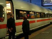 «Укрзализныця» покрывает свои расходы за счет пассажирского кармана – эксперт