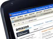 Amazon запатентувала дрон, що заряджає електромобіль під час руху