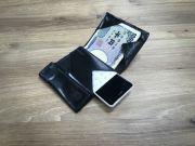 Випущено андроїд-телефон розміром з кредитку