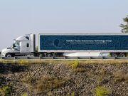 Безпілотні вантажівки Daimler випустили на дороги Вірджинії