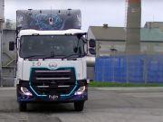 Volvo провела тест-драйв автономної вантажівки (відео)