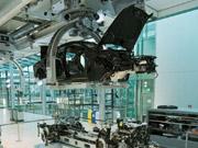 Автовиробництво в Україні з початку року впало майже на 40%