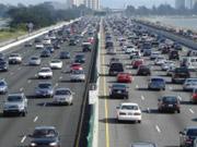 Резко ускорились: киевские власти рассказали, когда откроют Набережное шоссе