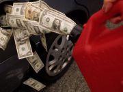 Валютна залежність: Українців попередили про нове подорожчання бензину