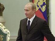 """Путін визнав - у Криму діяли російські військові """"за спиною самооборони"""" і допомагали провести референдум"""