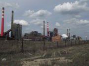У Донецькій області горить коксохімічний завод Ахметова - найбільший у Європі