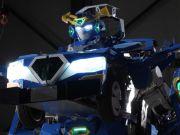 Японские инженеры построили робота-трансформера, который может превратиться в автомобиль за минуту