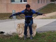 В Швейцарии появился экзоскелет для управления дроном (видео)