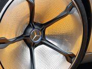 Mercedes покажет конкурента Tesla Model X осенью