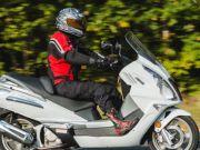 Чи потрібні водію скутера техпаспорт і посвідчення водія