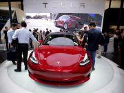 Tesla почала продажі електрокара Model 3 в Китаї