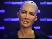 Робот София собирает средства на «всемирный ИИ»