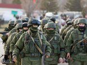 Росія почала масово переправляти війська в Крим