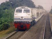 Росія зберегла рух одного потяга через Україну