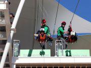 Почти три километра над пропастью: в ОАЭ запустили самый длинный в мире троллей (видео)