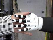 Новый ИИ-алгоритм MIT позволит роботам «ощущать» объекты по внешнему виду
