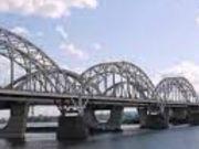 Стало відомо, коли збираються добудувати Дарницький міст