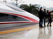 Китай запустил 440-метровые скоростные поезда