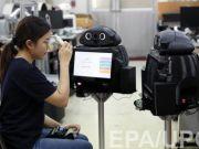 😷В Китае робот помогает в борьбе с коронавирусом