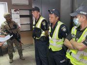 Зарабатывали по 25 тыс. грн в день на грузовиках с «перегрузом»: СБУ разоблачила патрульных на Херсонщине