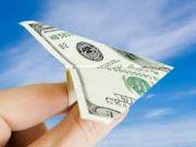Большую часть валюты украинцы выводят на собственные счета