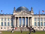 Германия хочет выдавать визы иностранцам без высшего образования