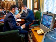 Україні потрібні нові антикризові заходи - Зеленський