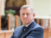 """Голова НБУ Яків Смолій подав у відставку """"через політичний тиск"""""""