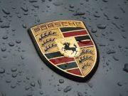 Porsche показал первые фото серийного электромобиля (фото)